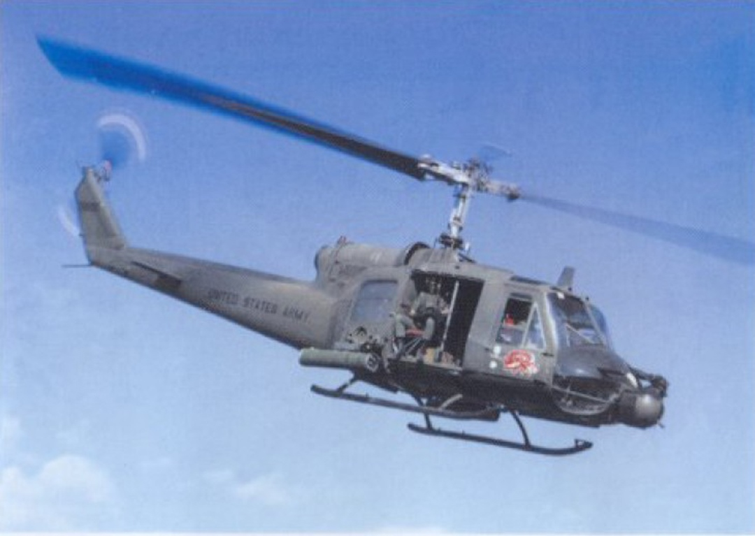 huey helicopter models with  on T119 Hamburguer Hill A 135 furthermore 21532 together with Lego Army Helicopter Instructions also 71694 Bell Uh 1d Iroquois Huey furthermore Cjhuey.